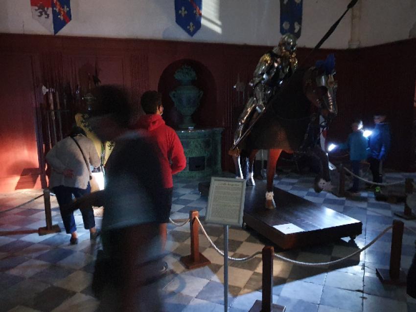 La salle des gardes plongée dans l'obscuritée... - © Château de Meung sur Loire