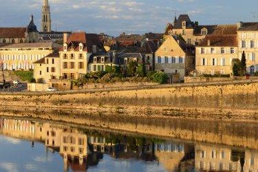 Guía de viaje, Dordogne : Bergerac - Oks_Mit  iStockphoto