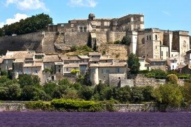 Guía de viaje, Drôme : Grignan, villge de la Drôme provençiale - Alexi TAUZIN  Fotolia