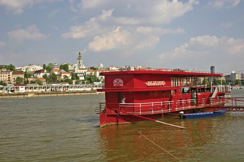Save, péniche et Kalemegdan. - © National Tourism Organisation of Serbia