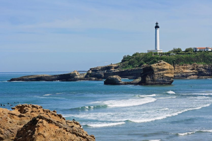 Biarritz douce porte d 39 entr e du pays basque pyr n es - Phare de biarritz ...