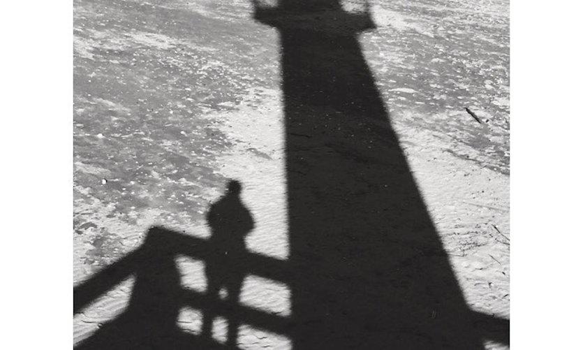 Phare de Trouville (hauteur 11 m, portée 12 milles).