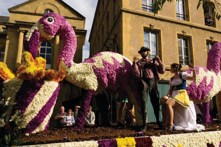 La parade de la Mirabelle - © Nicolas Rung - Author's Image