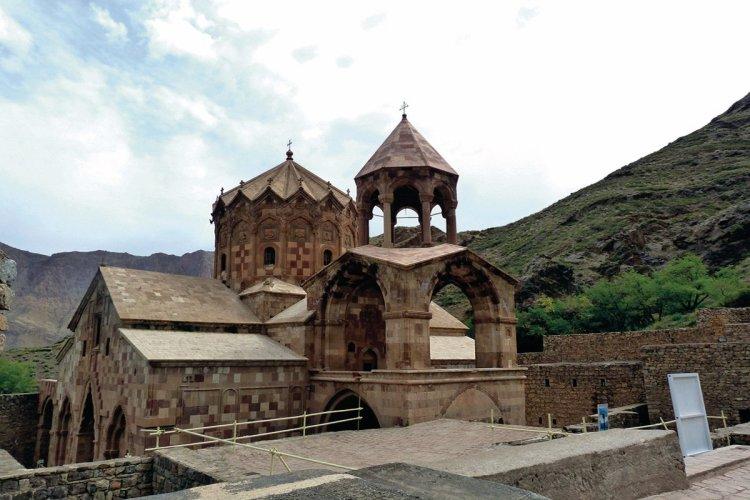 Vue sur la chapelle Saint-Stepanos. - © MMARCOPOLO IRAN TOURING CO