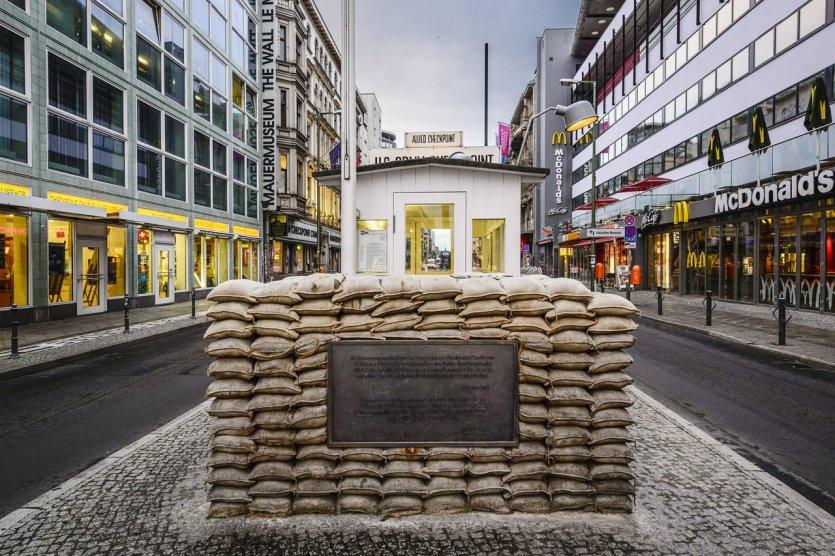 anordning information Dåligt humör  The Essentials of Berlin : Berlin