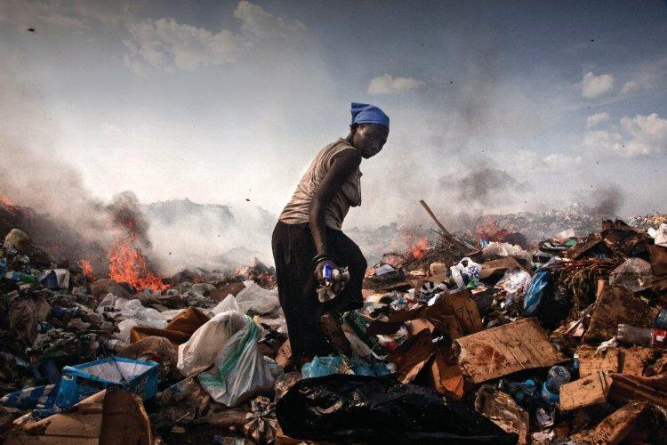 - © Agence VII. - La décharge de Juba, Soudan, novembre 2010