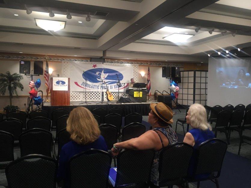 QG du Parti démocrate à Honolulu, au moment des résultats des élections présidentielles, le 8 novembre 2016 - © Saliha HADJ-DJILANI