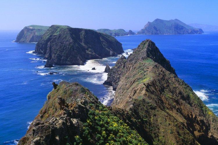 Channel Islands - © Joseph Sohm - Shutterstock.com