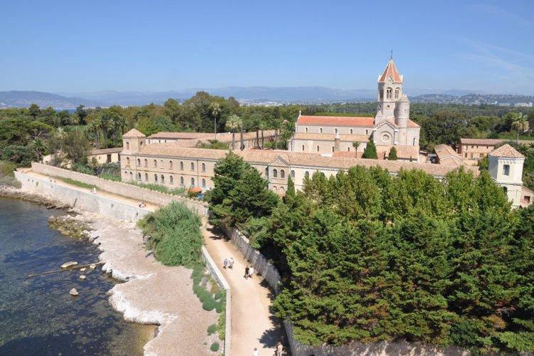 L'abbaye de Lérins à Saint-Honorat - © Flegere - Shutterstock.com