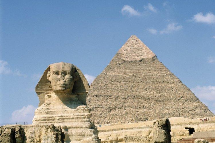 Les pyramides de Guiza et le Sphinx. - © Author's Image