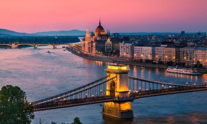Budapest, ville d'art, d'eau et de soins