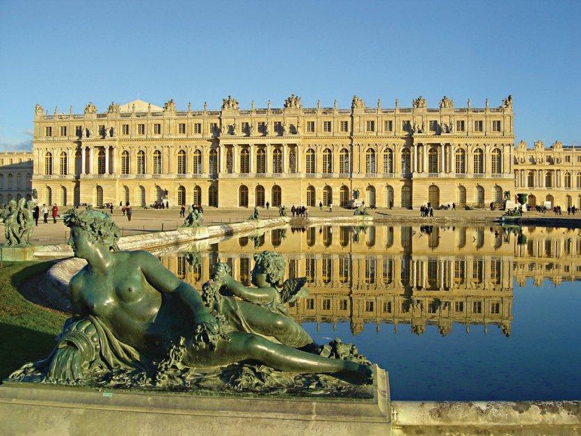 Statue devant le château de Versailles