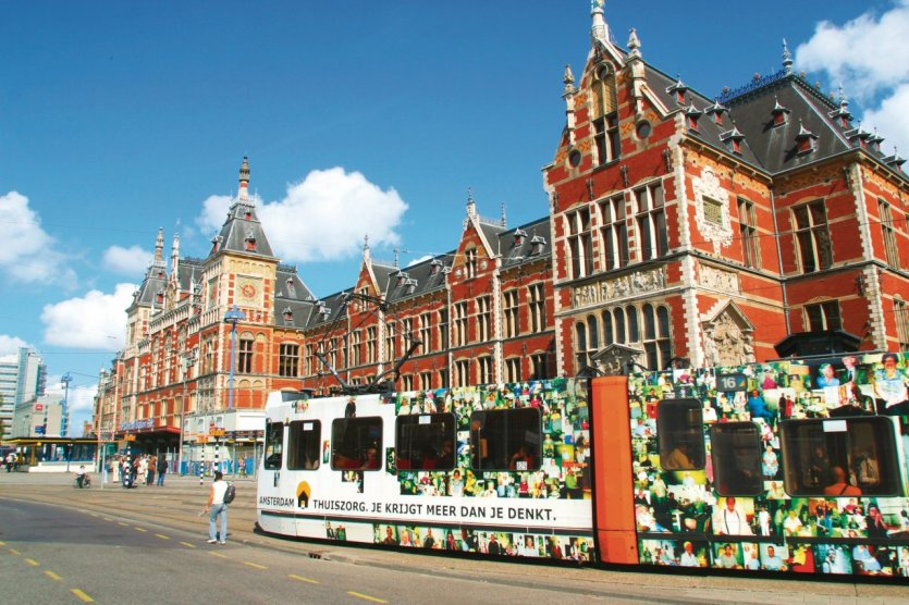 Tramway devant la Centraal Station.