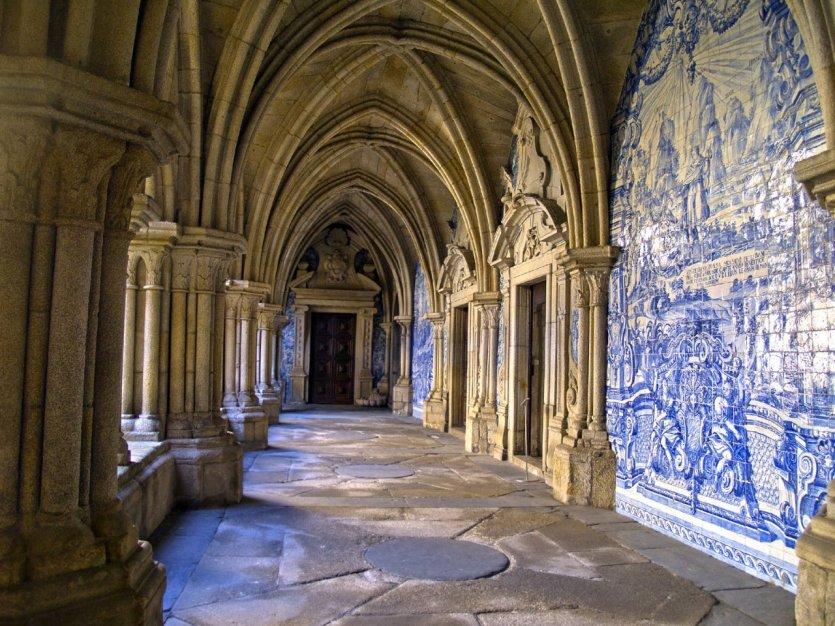 Cloître de la Sé de Porto. - © neirfy