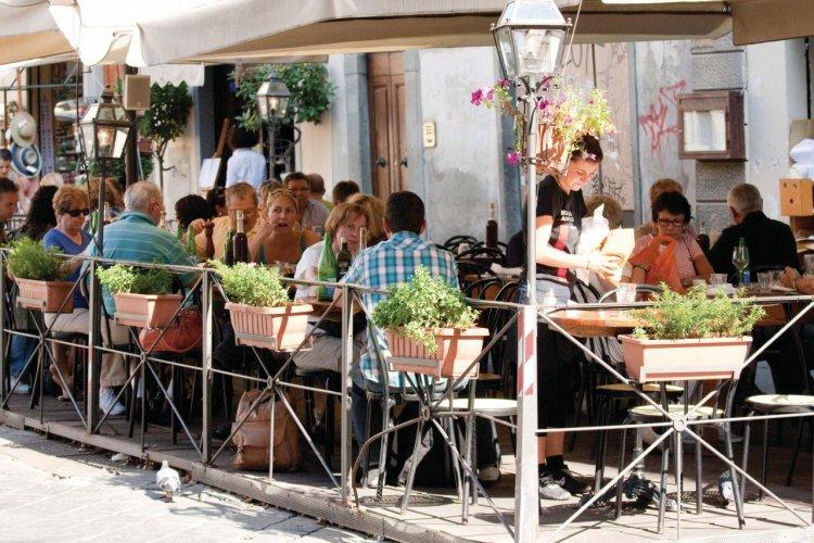 Terrasse de restaurant. - © Maxence GORREGUES