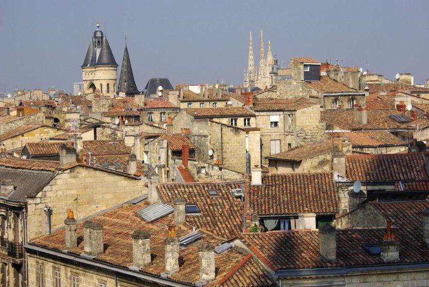 Toits de Bordeaux.