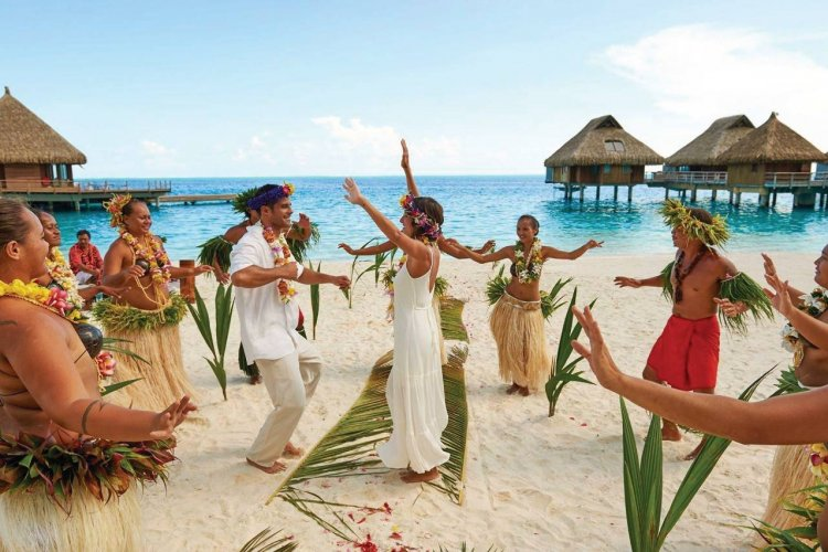 - © Conrad Bora Bora Nui