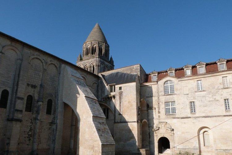 Abbaye aux dames de Saintes - © Aurélie HANNIER