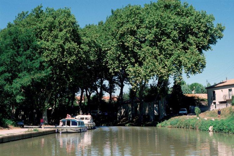 Le canal du Midi - Trèbes - © IRÈNE ALASTRUEY - AUTHOR'S IMAGE