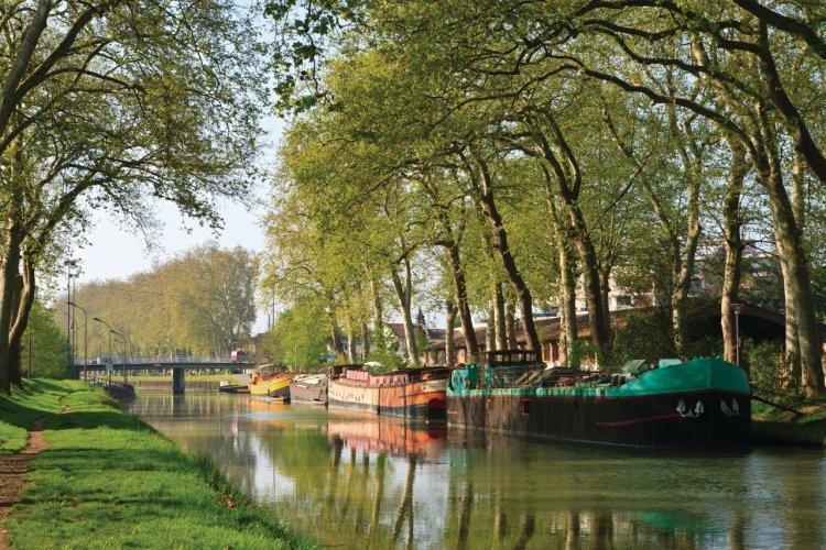 Canal du Midi près du boulevard Monplaisir et du pont des Demoiselles - © Lawrence BANAHAN - Author's Image