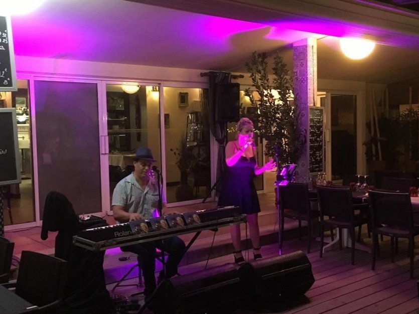 Music live et barbecue - © Mahi-Plage