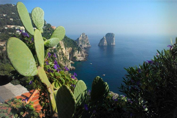 Vue depuis les Jardins d'Auguste. - © Azienda Autonoma Cura Soggiorno e Turismo Isola di Capri