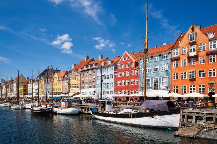 Nyhavn, le canal central de Copenhague. - © Cinoby - iStockphoto