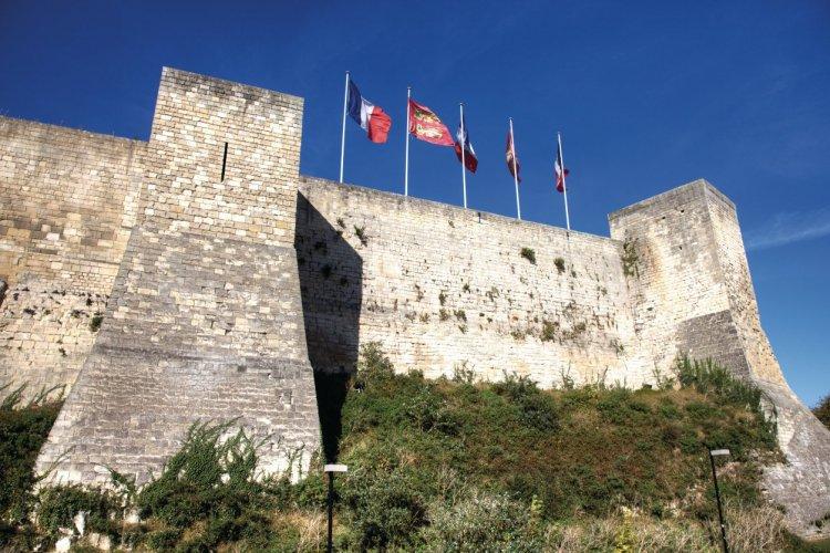Large enceinte fortifiée du château ducal - © Emmanuel LE PRIVE