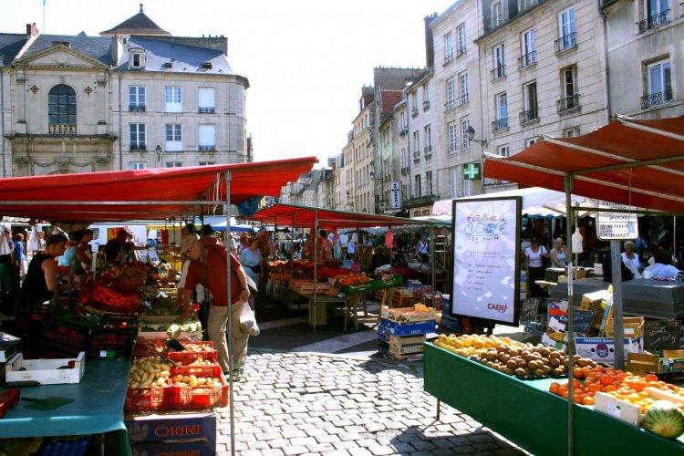 Le marché Saint-Sauveur de Caen. - © www.calvados-tourisme.com