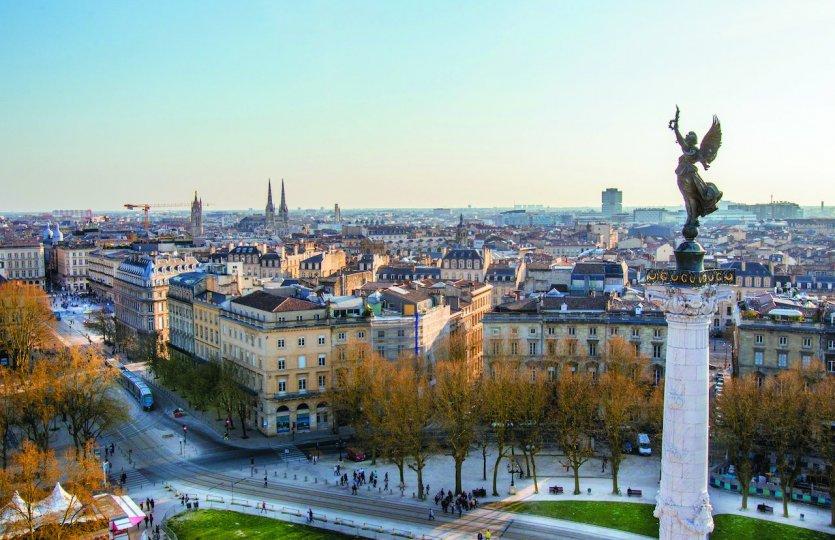 Bordeaux une ville r invent e bordeaux 33000 for Hotel piscine bordeaux
