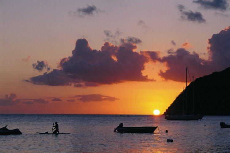 Coucher de soleil sur Grande-Anse-d'Arlet. - © Author's image