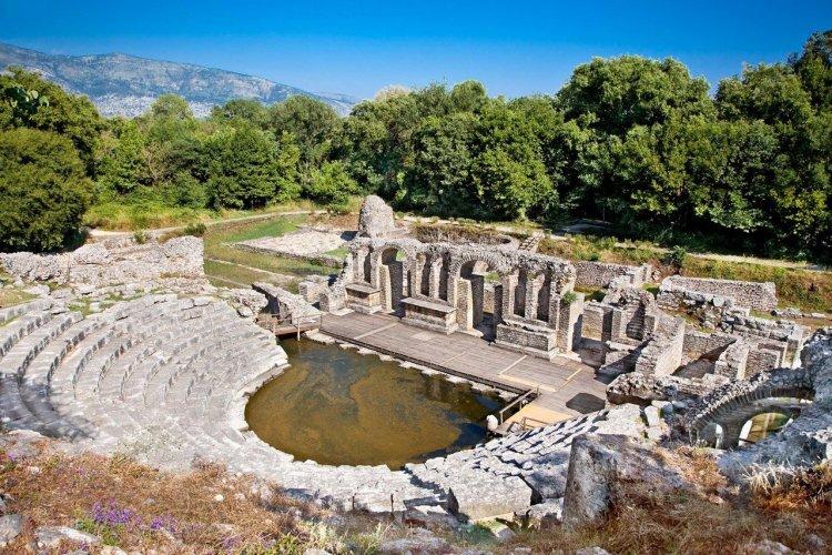 L'amphithéâtre du site archéologique de Butrint - © master 2