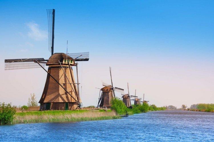 Moulins de Kinderdijk - Elshout - © Sergey Novikov - Shutterstock.com
