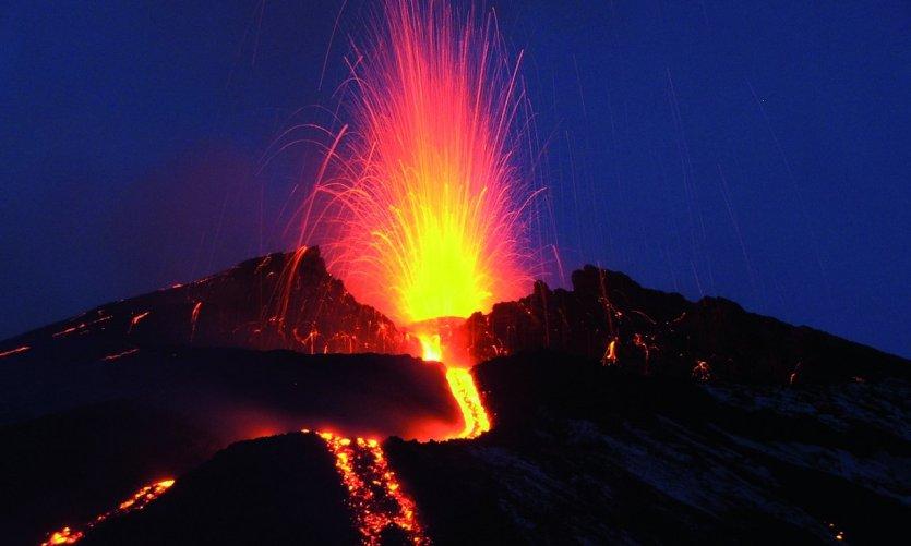10 volcans actifs dans le monde