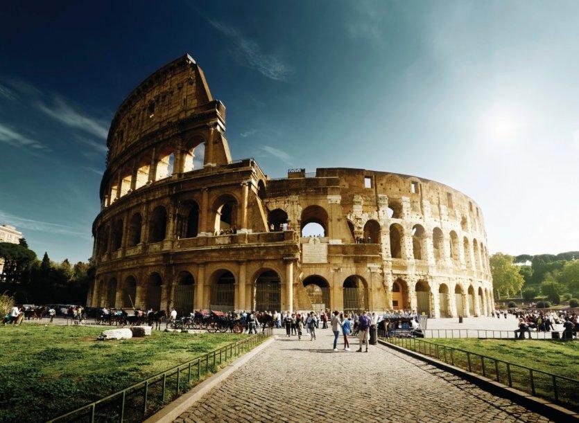 Le Colisée de Rome. - © IakovKalinin - iStockphoto