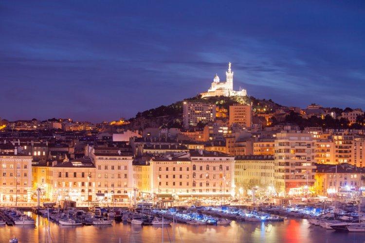Le vieux port de Marseille. - © Dontsov Evgeny - Shutterstock.com