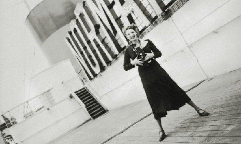 Détail, séance photo sur le pont du Normandie, 1935