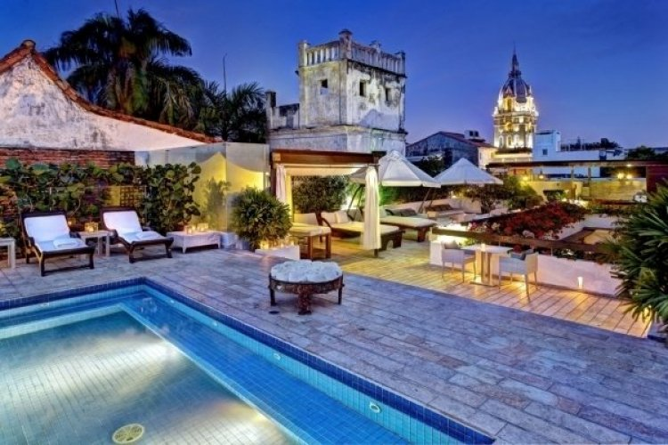 - © HOTEL LM A LUXURY BOUTIQUE HOTEL