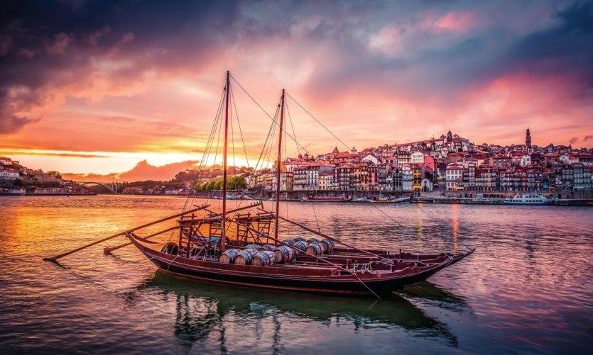 Le fleuve Douro, longeant la ville de Porto.