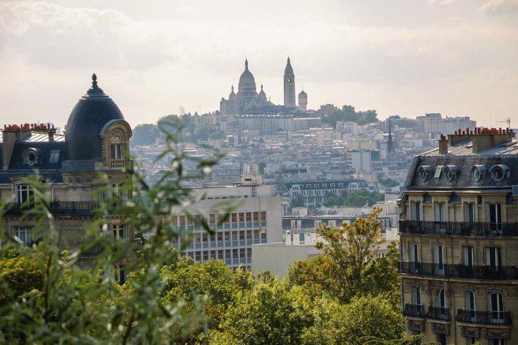 Vue depuis le parc des Buttes-Chaumont - © Elena Dijour