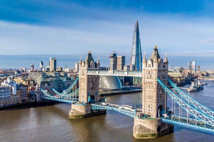 Vue sur Londres et le Tower Bridge - © Alexey Fedorenko - Shutterstock.com