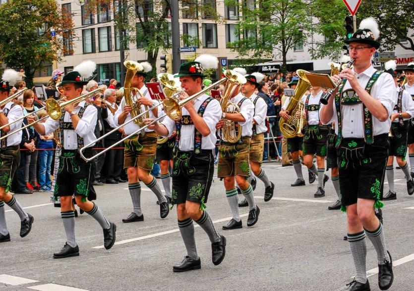 Parade pendant le Oktoberfest, Munich. - © Jesus Fernandez - Shutterstock.com