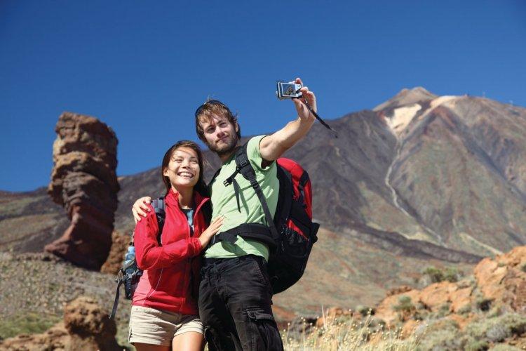 Couple de touristes à Tenerife. - © Maridav