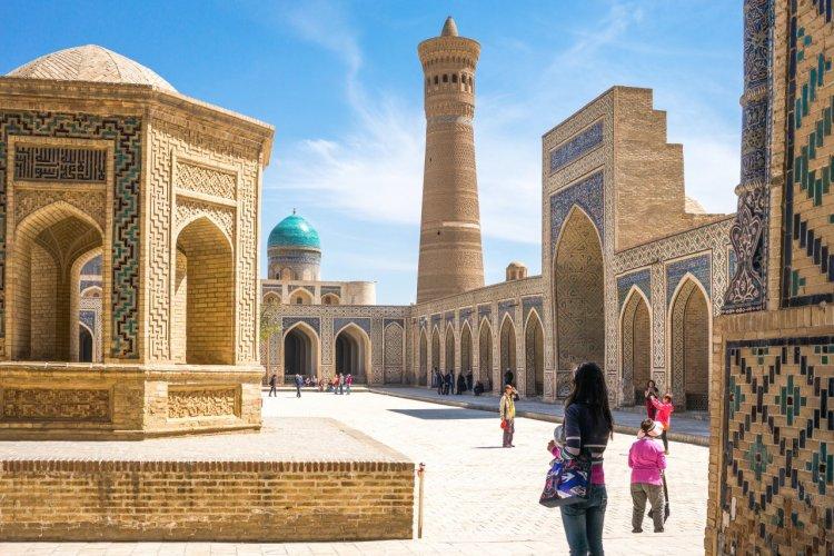 Médersa Mir-i Arab. - © Gimas - Shutterstock.com