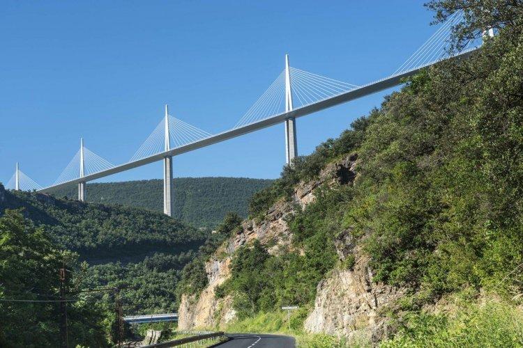 Le viaduc de Millau - © clodio - iStockphoto