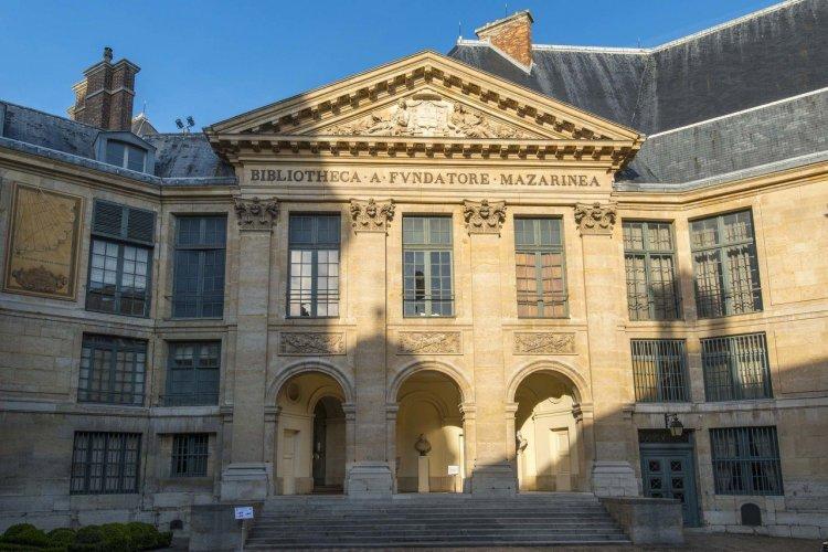 La bibliothèque Mazarine - © Dom - stock.adobe.com