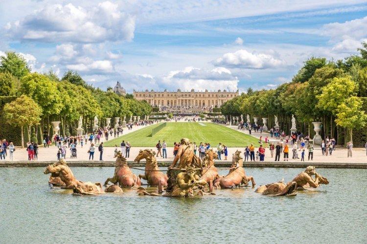 Fontaine d'Apollon - Château de Versailles - © S-F - Shutterstock.com