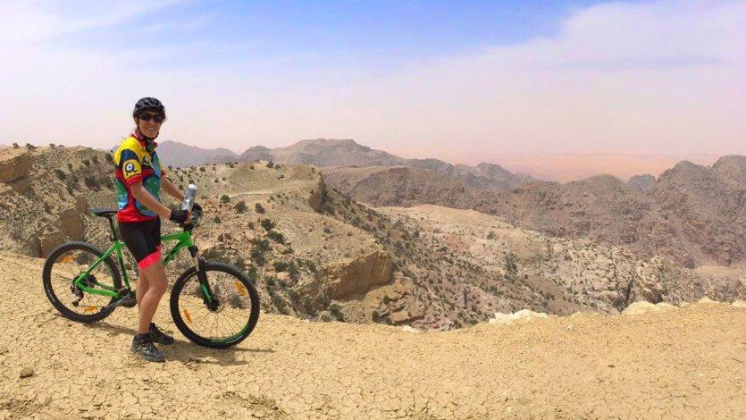 Sur le Jordan Bike Trail après le château de Shobak - © Florie THIELIN