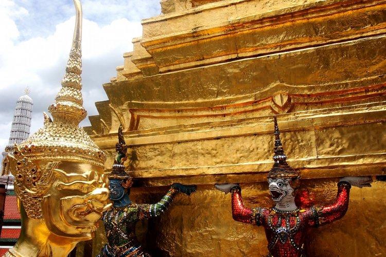 Démons protecteurs du Wat Phra Kaew. - © Maxime DRAY