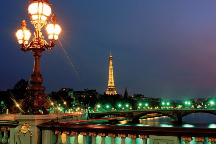 Vue depuis le pont Alexandre-III - Paris - © F. IREN & C. PINHEIRA - AUTHOR'S IMAGE